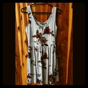 NWT 🌷 Summer floral dress, size XS 🌷